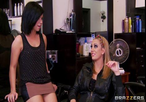 Частное порно в парикмахерской, жесткие лесбиянки трахнулись