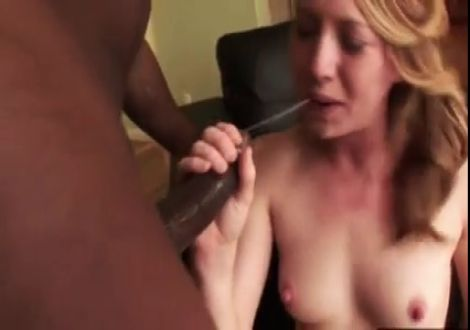 Насилует Блондинку Порно Видео