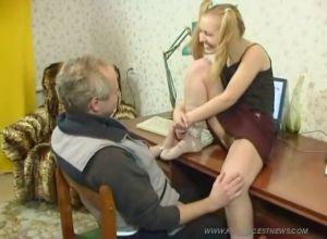 Папа молодая дочь секс