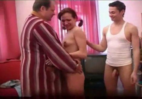 под секс липкая сперма в трусах отличная идея